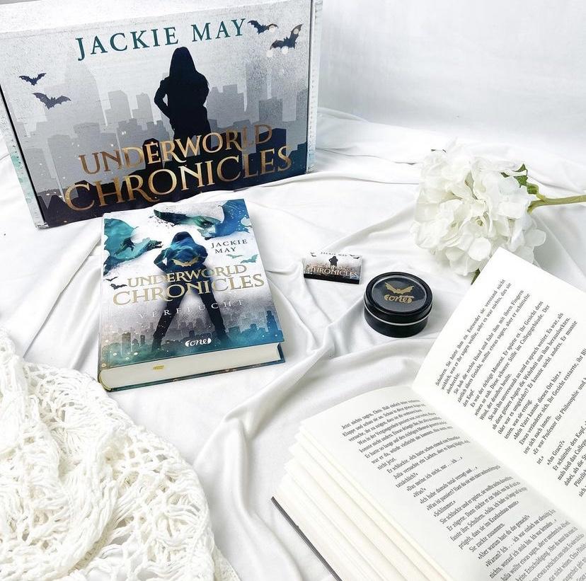 """Rezension """"Underworld Chronicles – Verflucht""""von Jackie May"""